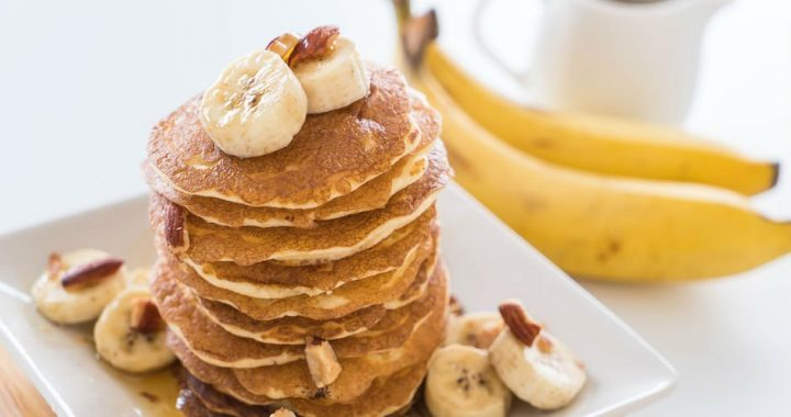 sekersiz-muzlu-pancake-tarifi